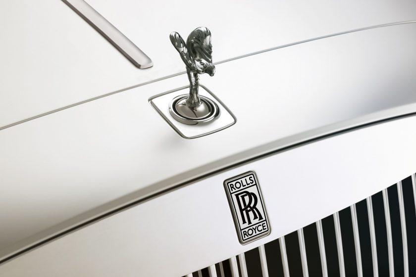 Așa o ascunde un Rolls-Royce pe Emily, să nu ajungă în mâini neautorizate – VIDEO